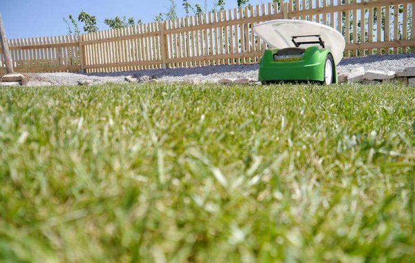 покос травы по газонным решеткам